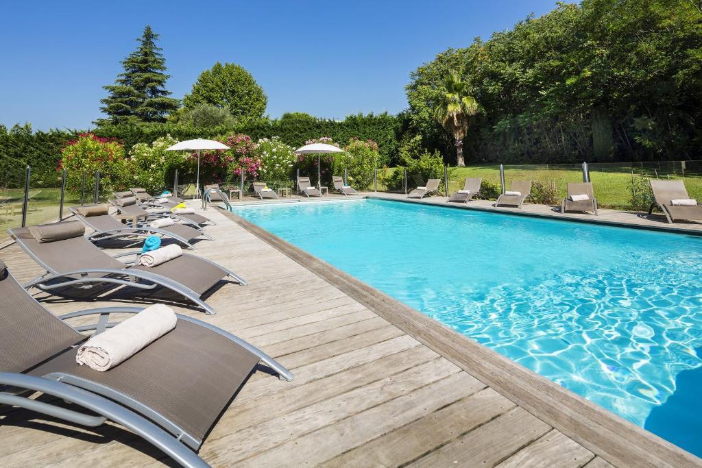 Bazén v ubytování Best Western PLUS Elixir Grasse nebo v jeho okolí