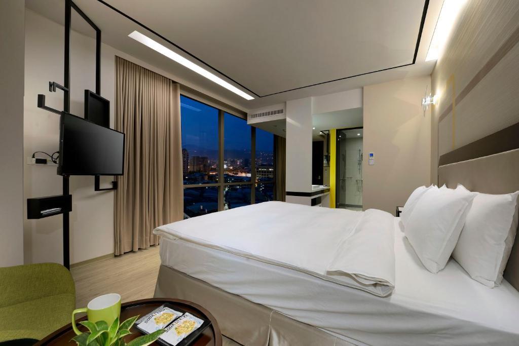 Photo of Deluxe Double Room #1