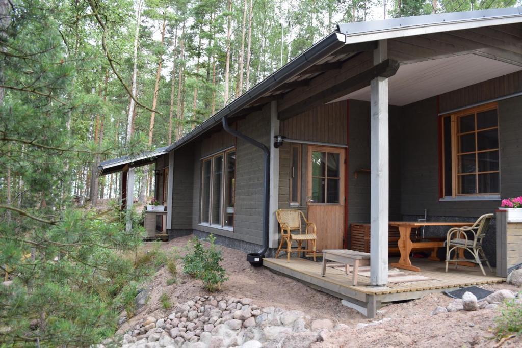 A porch or other outdoor area at Pyhtään Vuokramökit