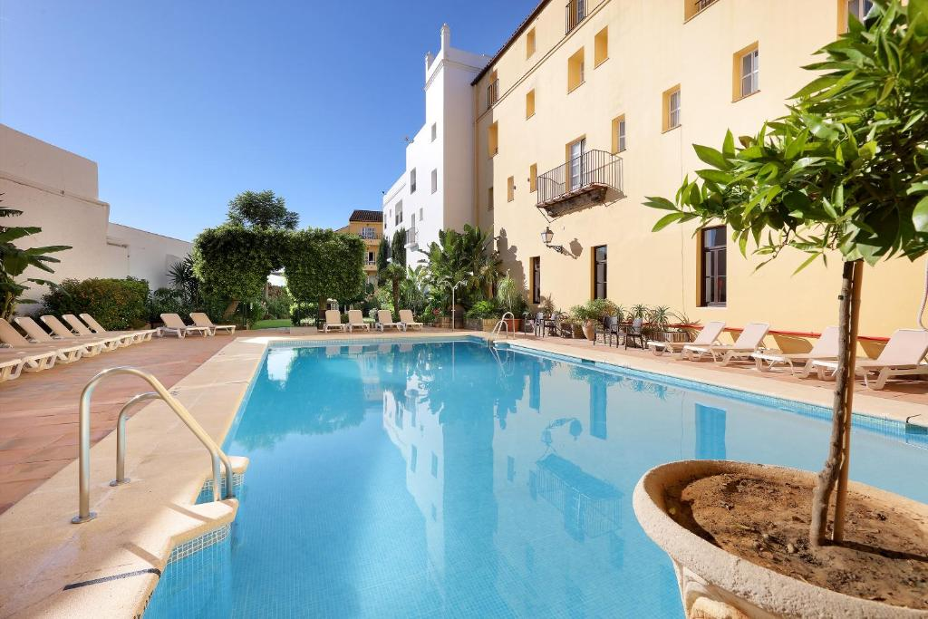The swimming pool at or near Monasterio de San Miguel