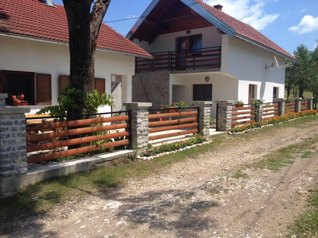 A garden outside Holiday home Boba