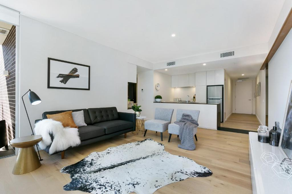A room at Ultra modern 2 bdrm in St Leonards Crows Nest - 803NOR