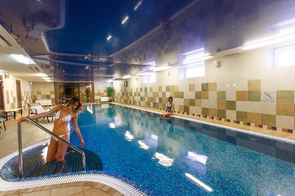 Der Swimmingpool an oder in der Nähe von Hotel Rocca al Mare