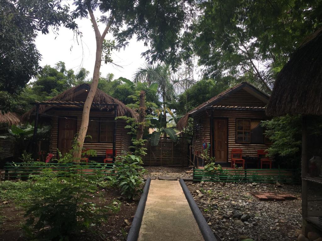 A garden outside Subli Guest Cabins