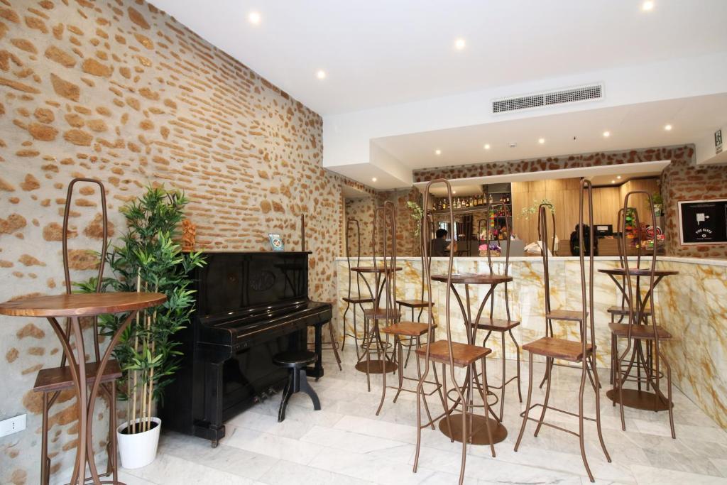 New Generation Hostel Rome Center酒吧或休息區