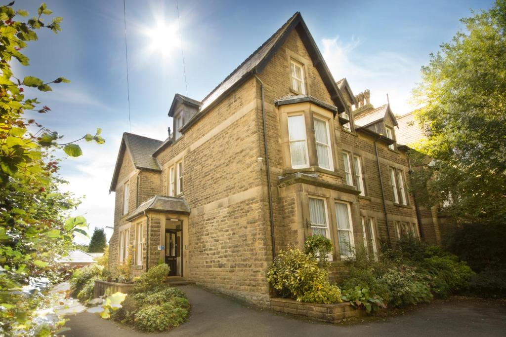 9 Green Lane Bed and Breakfast in Buxton, Derbyshire, England