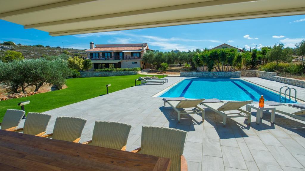 The swimming pool at or near Villa Mathea