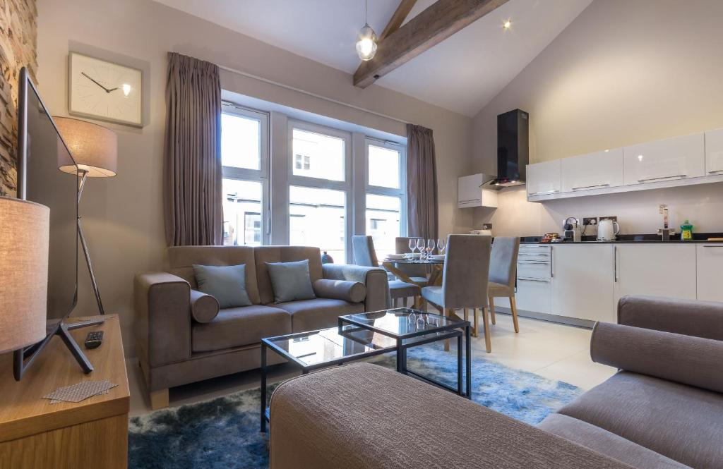 The lounge or bar area at Mansio Suites Basinghall