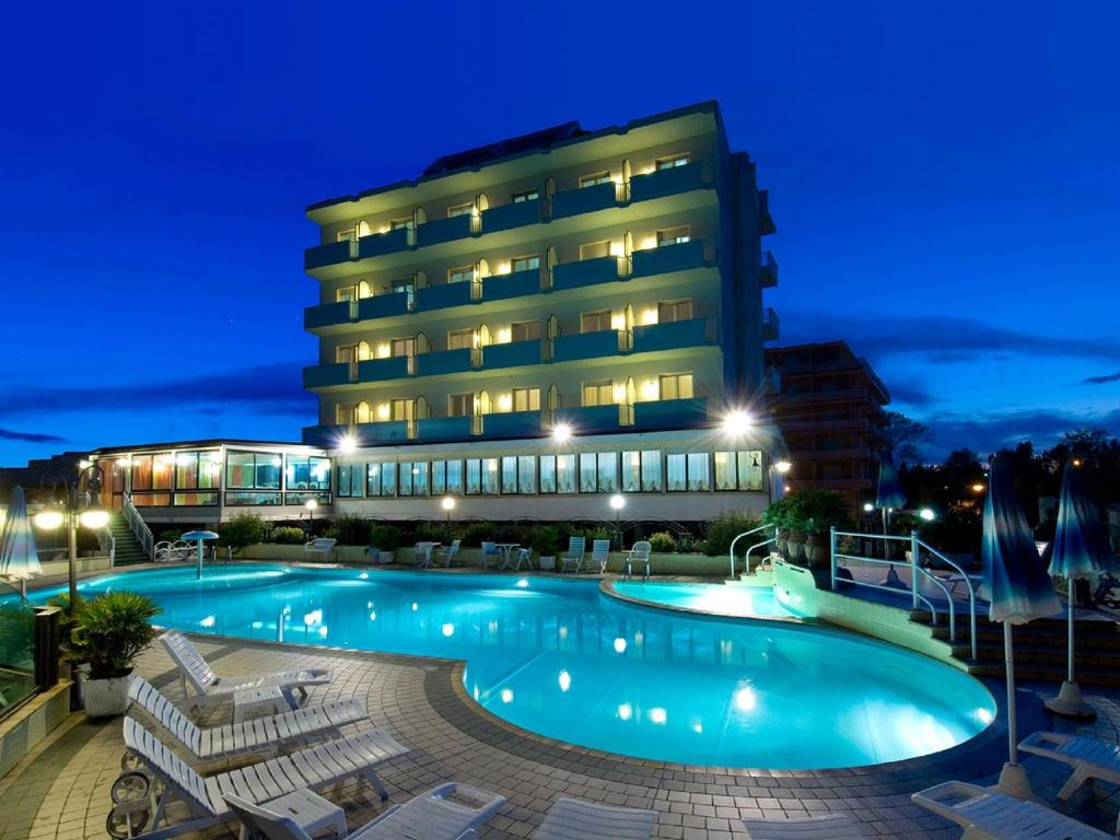 Strand Hotel Colorado Lido di Savio, Italy