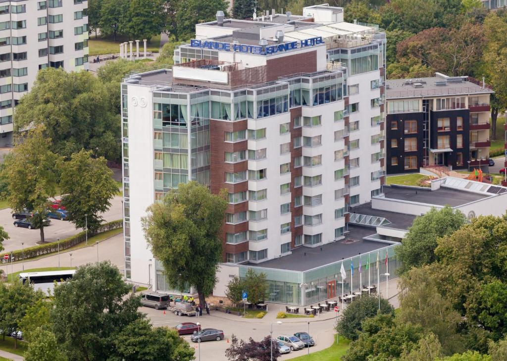 A bird's-eye view of Riga Islande Hotel with FREE Parking