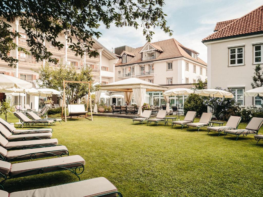 A porch or other outdoor area at Mühlbach Thermal Spa & Romantik Hotel