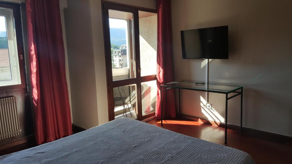 Hotel De La Gare Aix-les-Bains, France