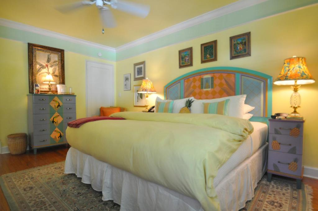 A room at Pineapple Point Guesthouse & Resort - Gay Men's Resort