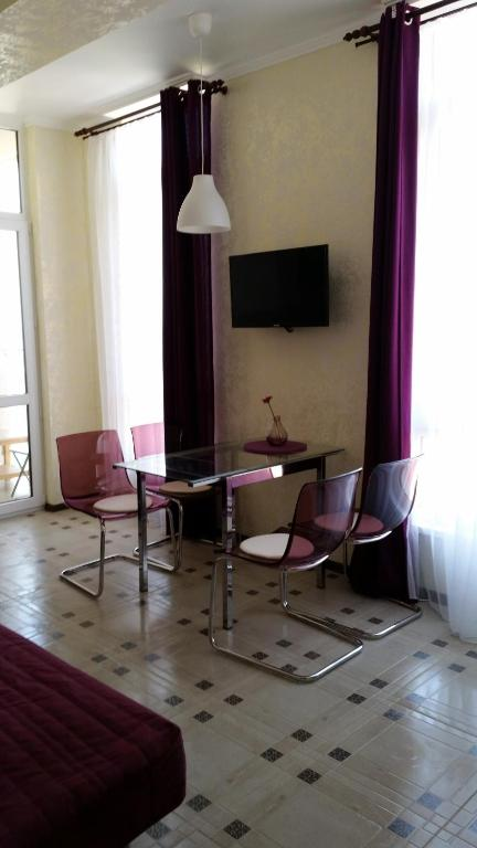 Телевизор и/или развлекательный центр в Apartments na Prosvesheniya 147/1