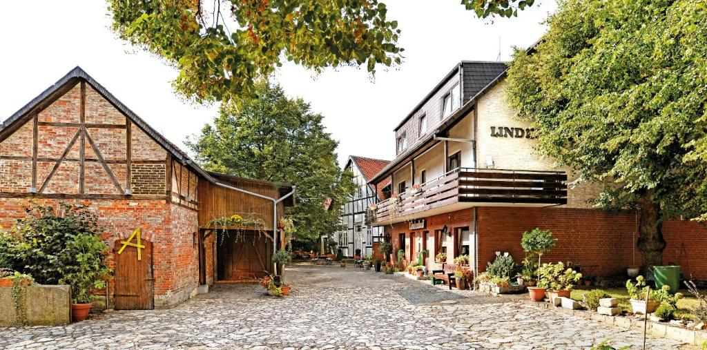Landgasthaus & Hotel Lindenhof Konigslutter am Elm, Germany