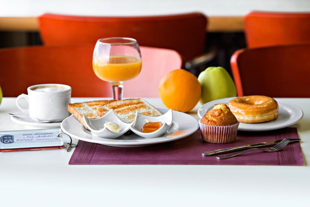 Breakfast options available to guests at Hostal San Andrés