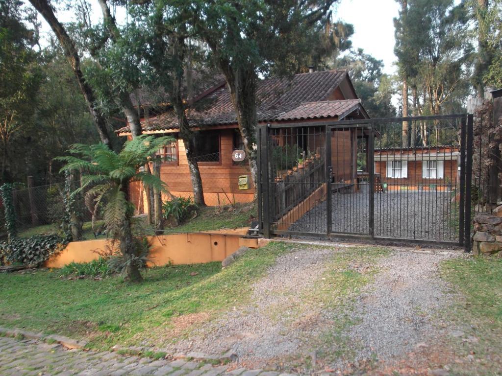 A garden outside Cabana El Polista Estilo Campo