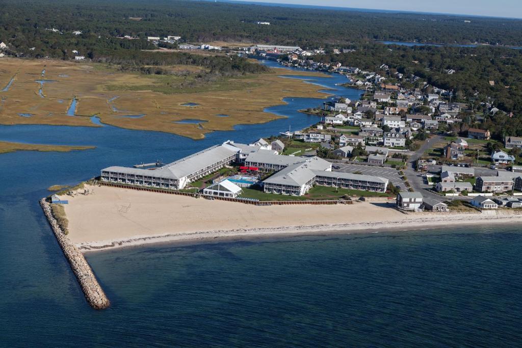 A bird's-eye view of Red Jacket Beach Resort