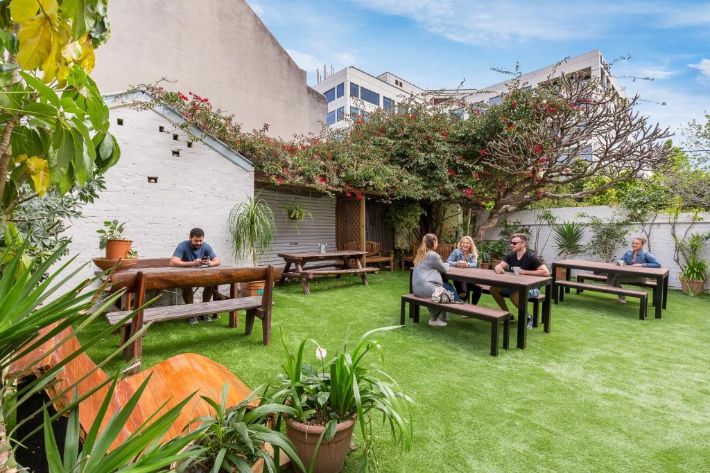 A porch or other outdoor area at Secret Garden Backpackers, Sydney