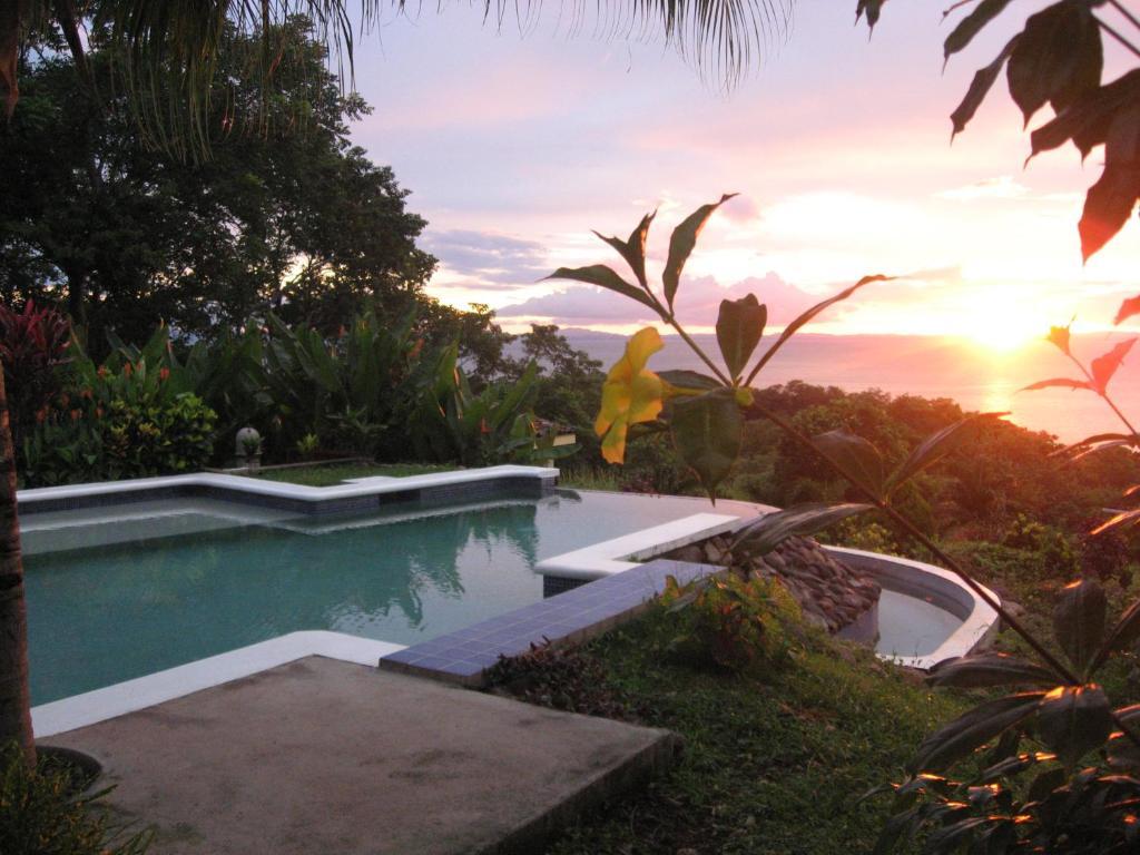 The swimming pool at or near Hotel La Omaja