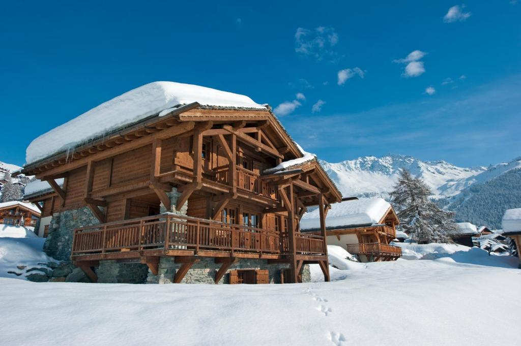 Chalet Dunmore during the winter