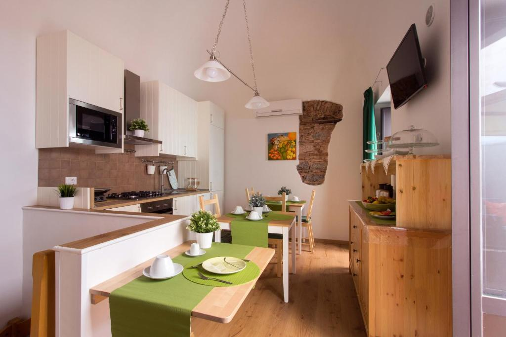 A kitchen or kitchenette at Cianciana