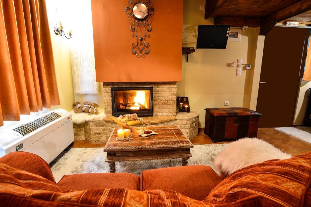 Ο χώρος του lounge ή του μπαρ στο Camelia Suites