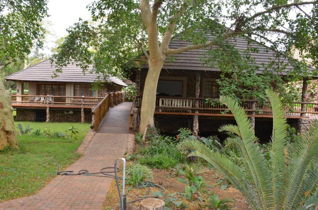 A garden outside Stoep At Steenbok Self Catering