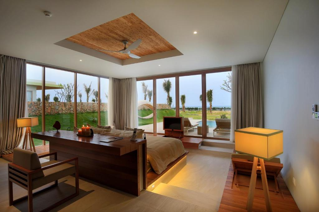 A seating area at FLC Luxury Resort Quy Nhon