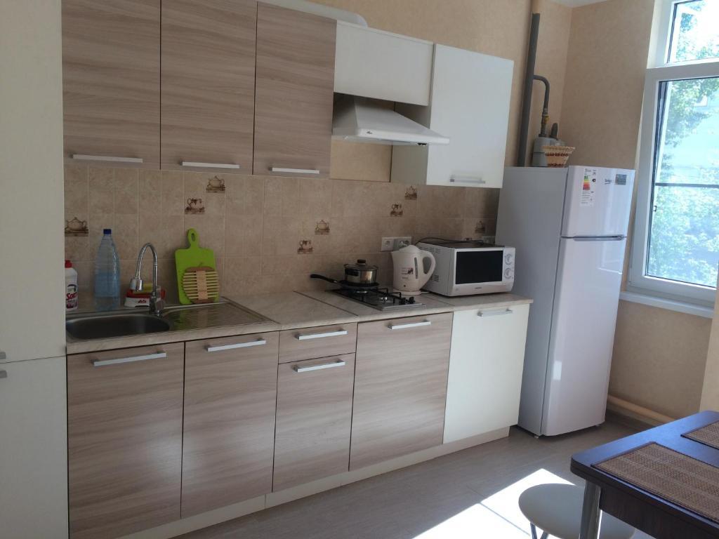 Кухня или мини-кухня в Apartament у моря 500м Anapskaya 25