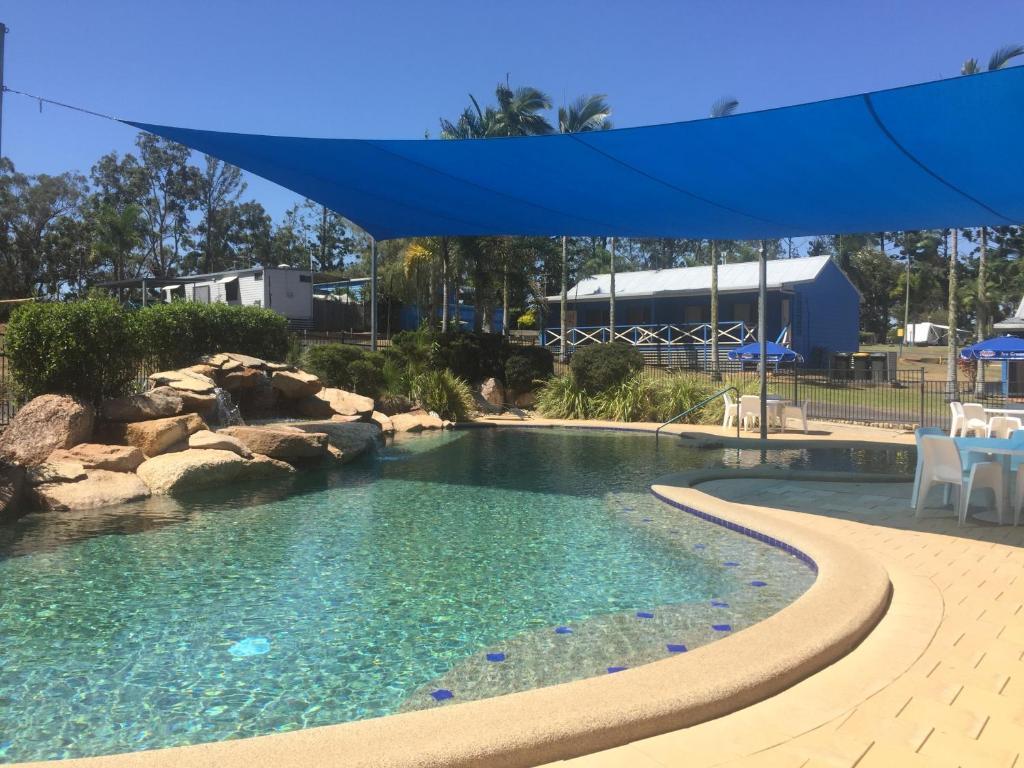 The swimming pool at or near Lake Tinaroo Holiday Park