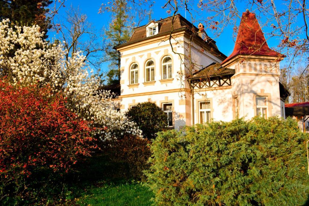 Сад в Hotel Zámeček na Čeladné