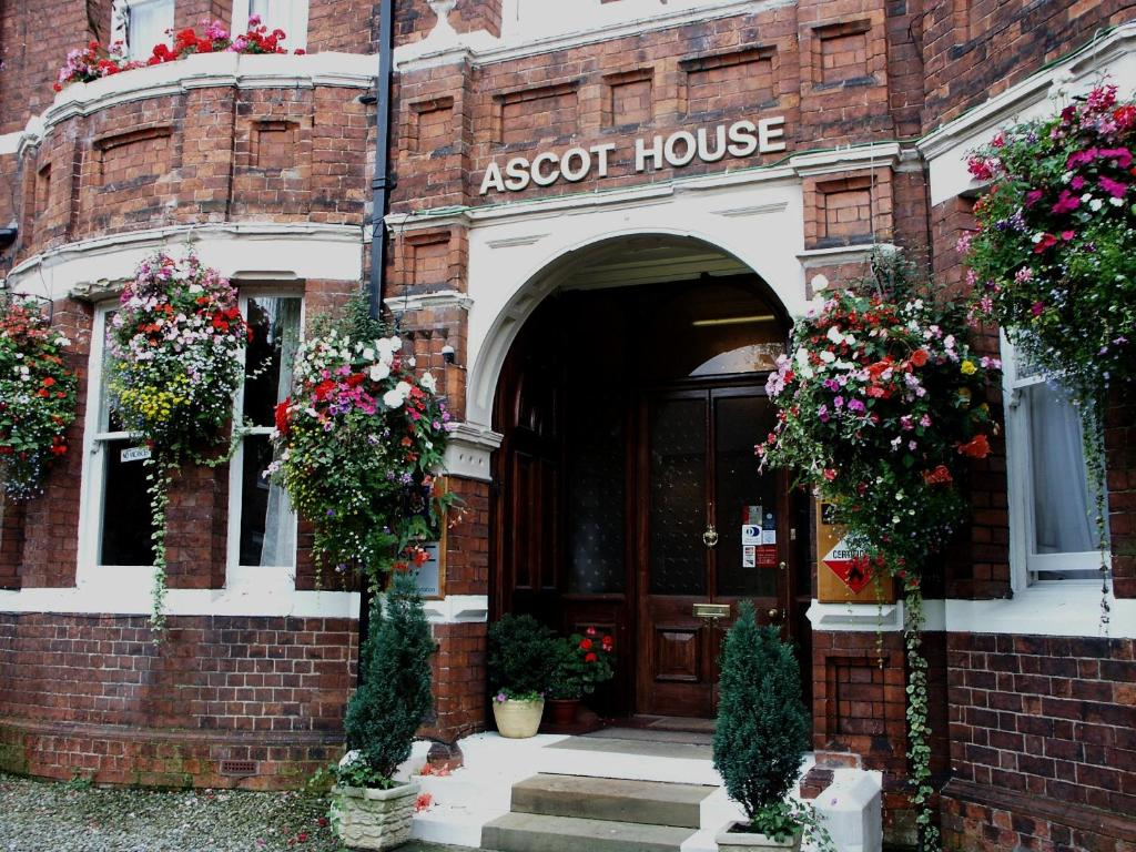 Ascot House - Laterooms