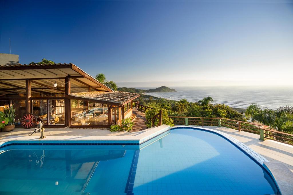 A piscina localizada em Pousada Caminho do Rei ou nos arredores