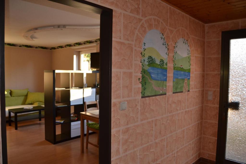 Ein Etagenbett oder Etagenbetten in einem Zimmer der Unterkunft Ferienwohnung Bella