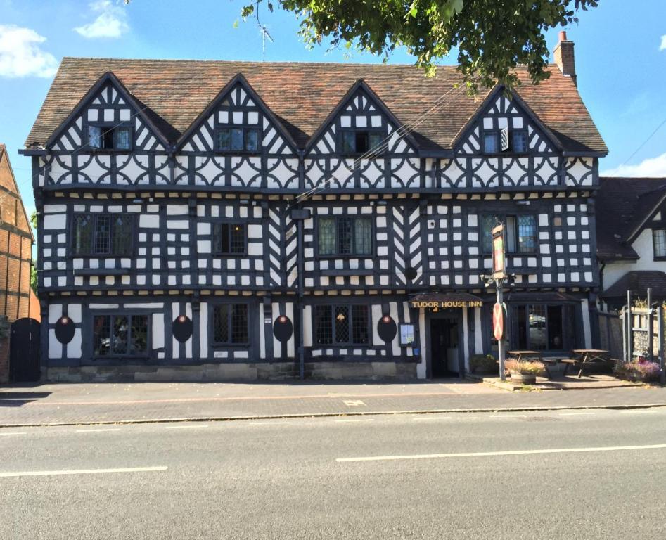 The Tudor House Hotel - Laterooms