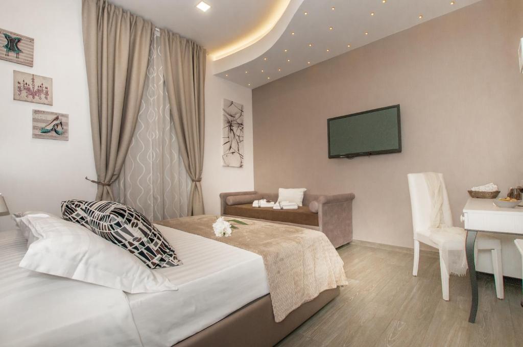 Elenoire Rooms & Suite - Laterooms