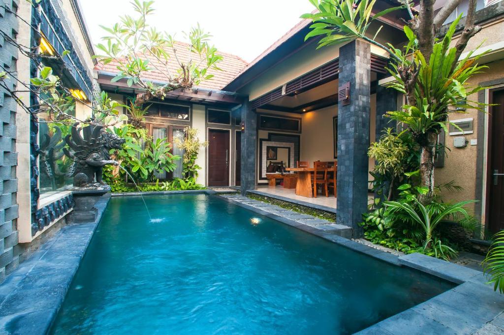 The swimming pool at or near Taman Sari Bali Villas Kerobokan