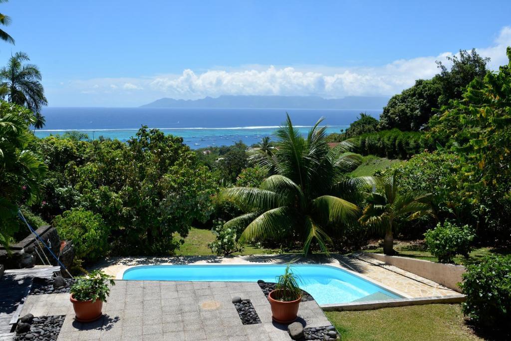 A piscina localizada em Appartement Villa Taina piscine ou nos arredores
