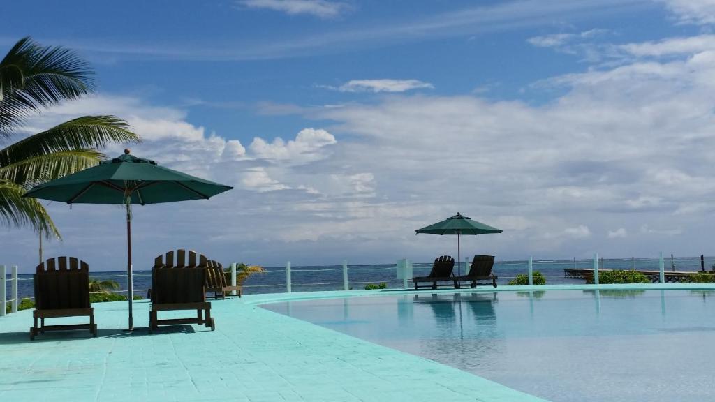 Бассейн в Royal Caribbean Resort или поблизости