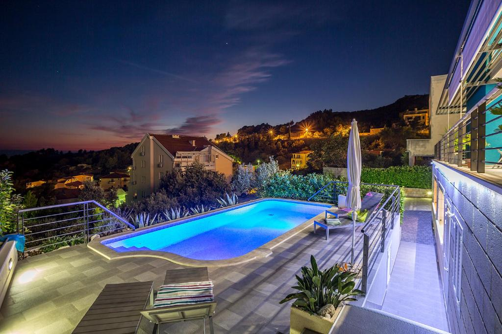 Bazén v ubytování Villa Steffi nebo v jeho okolí