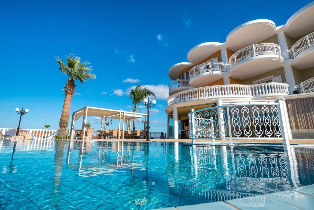 Πισίνα στο ή κοντά στο Arkadia Hotel