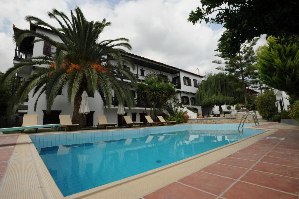 Πισίνα στο ή κοντά στο Ξενοδοχείο Έλλη