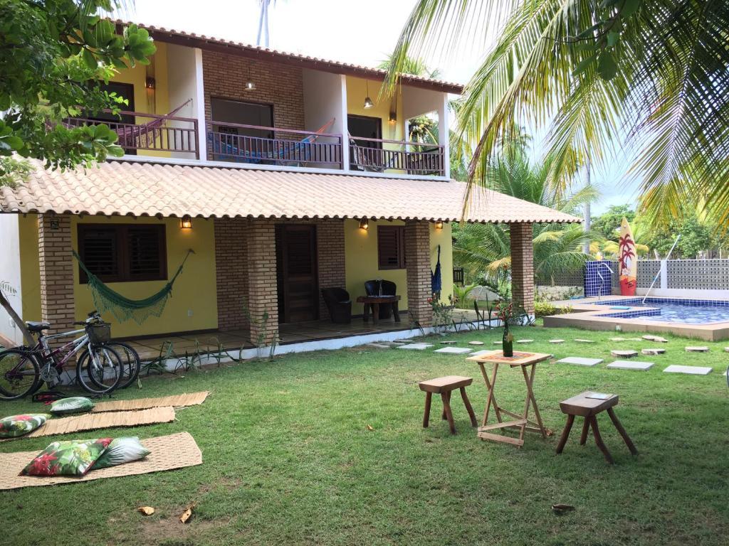 The swimming pool at or close to Estalagem Thereza da Praia