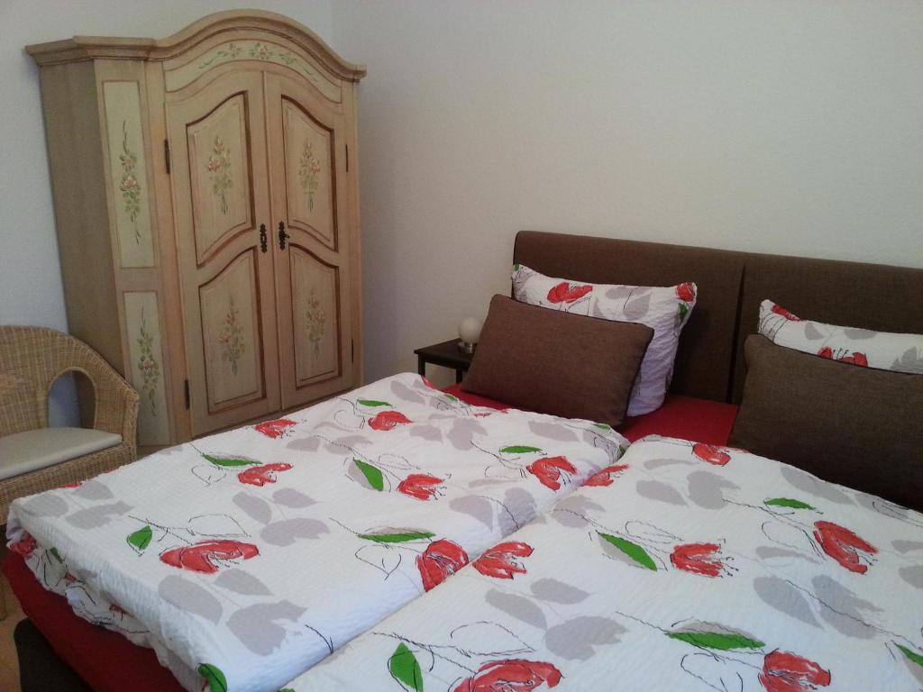 Ein Bett oder Betten in einem Zimmer der Unterkunft Ferienwohnung Ohmeis