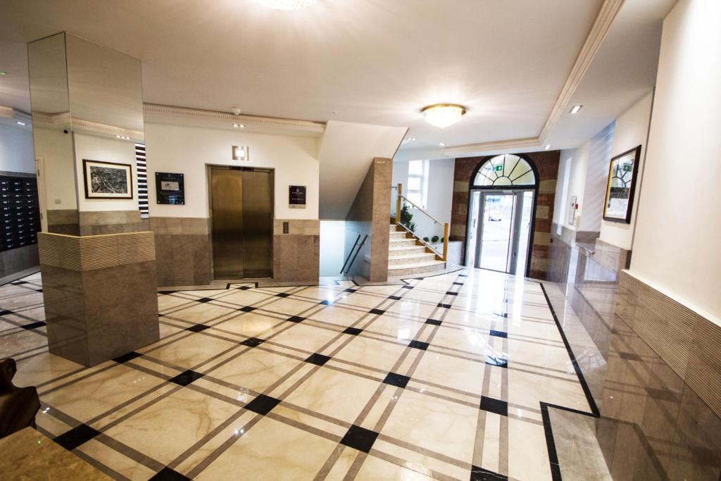The lobby or reception area at Empire Apartments