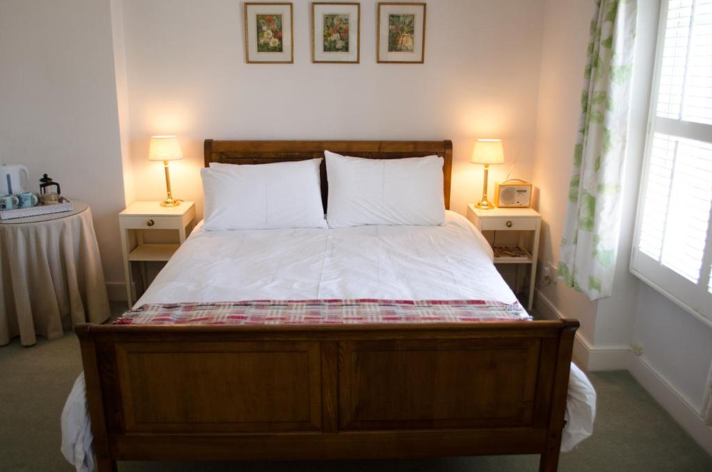 The Hollies Bed and Breakfast - Laterooms