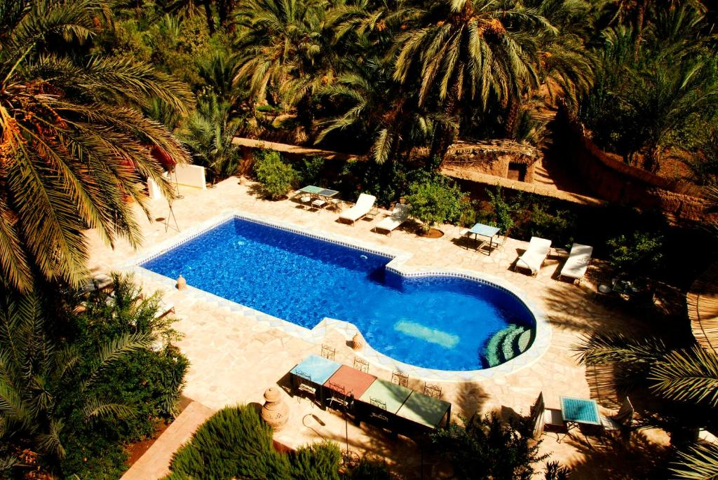A view of the pool at Maison d'Hôtes Kasbah Azul or nearby