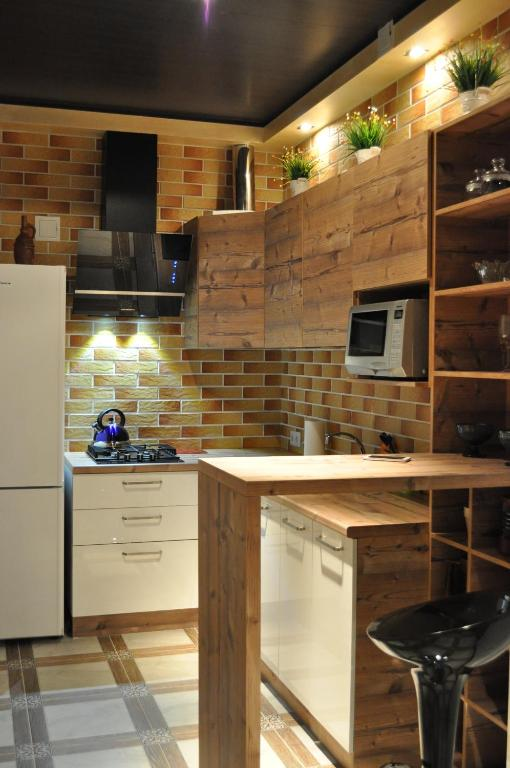 A kitchen or kitchenette at Zanevsky guest house