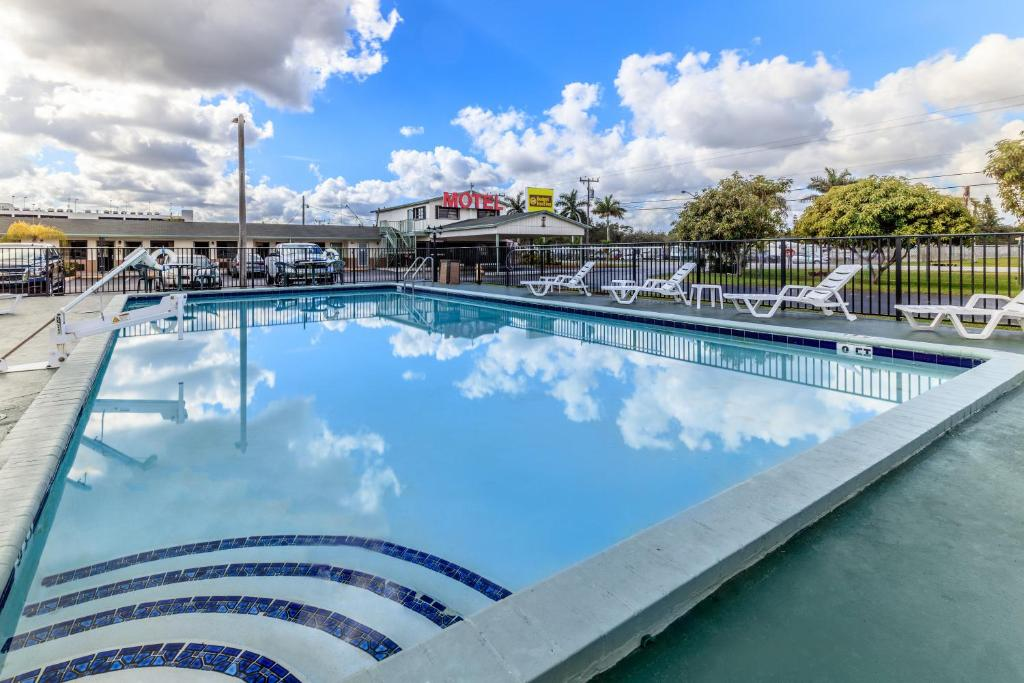 The swimming pool at or near Budget Host Inn Florida City